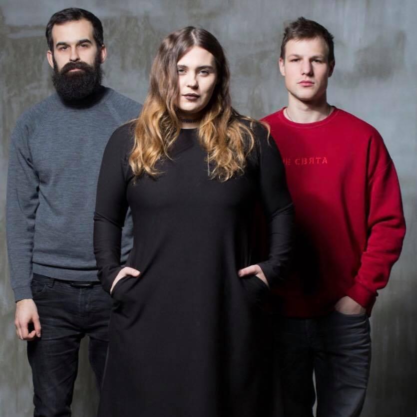 Назва гурту вже зниклазі списку учасників в афіші шоу / фото facebook.com/kazka.band