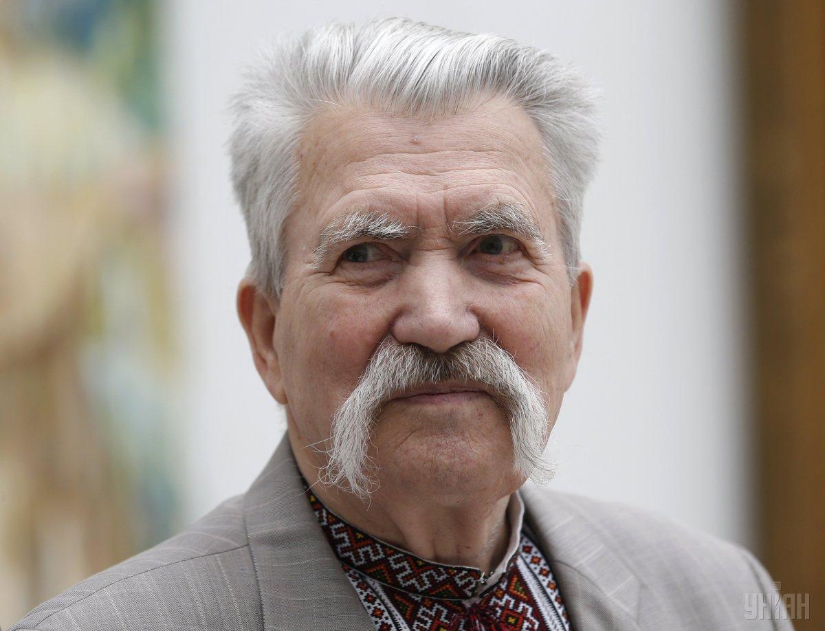 Похоронили Левка Лукьяненко рядом с Леонидом Каденюком \ УНИАН