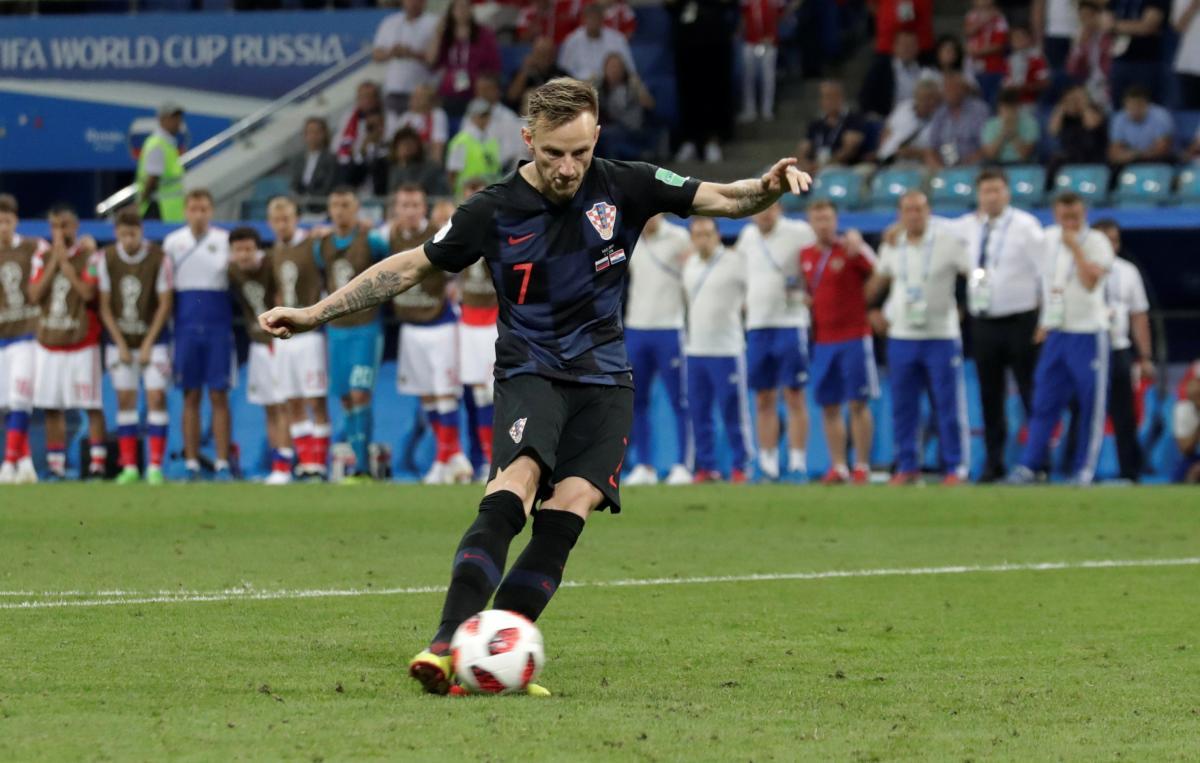 Удар Ракитича принес победу Хорватии над Россией / Reuters