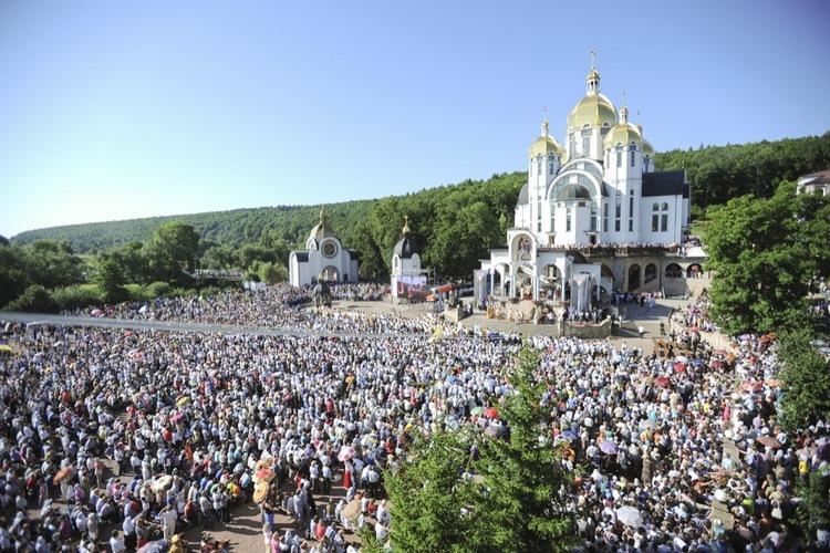 Всеукраїнська проща до Зарваниці / pilgrimage.in.ua