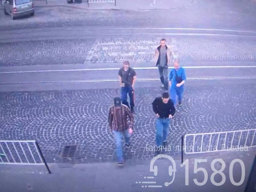 Полиция задержала группу лиц, которые обокрали людей возле храма / facebook.com
