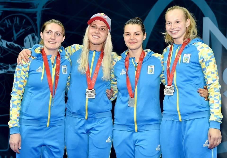 Женская сборная Украины по фехтованию на сабле / facebook.com