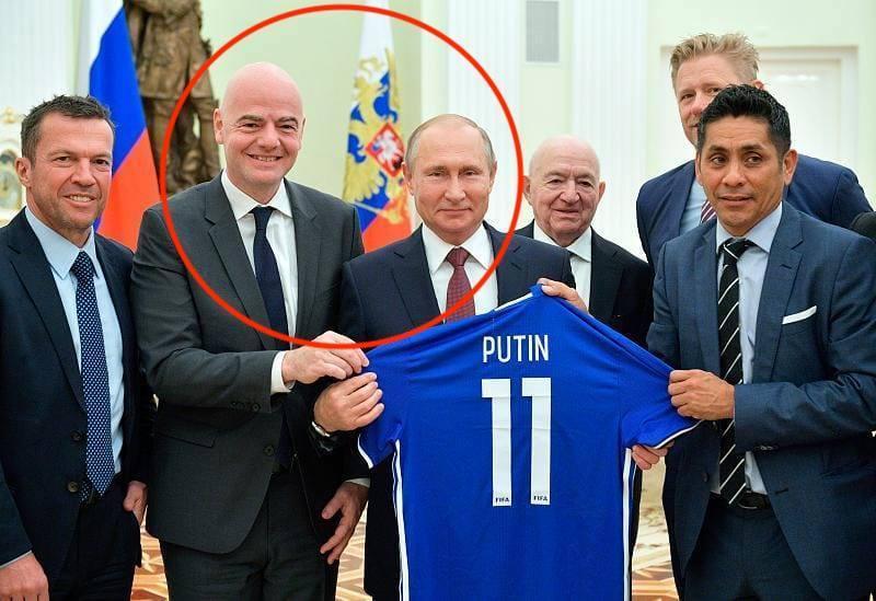 """В соцсетях иронизируют над """"аполитичностью"""" президента ФИФА / Facebook - Роман Шрайк"""
