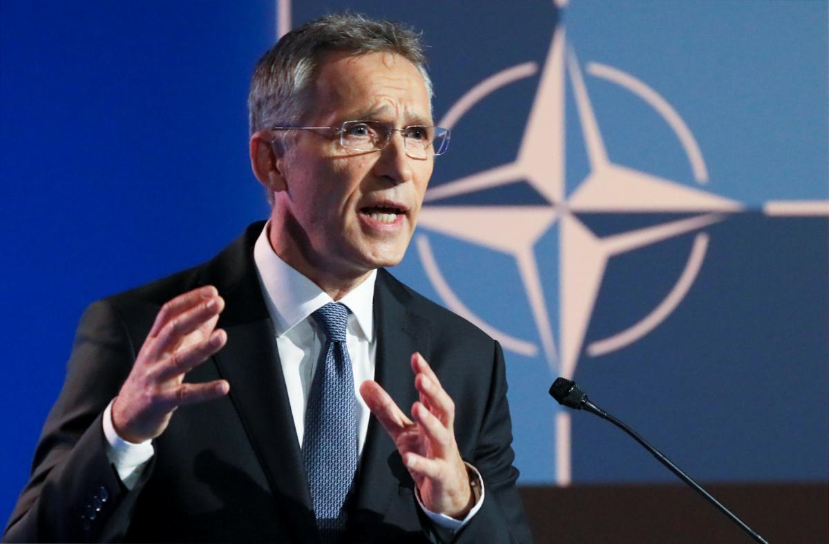 Йенс Столтенберг будет оставаться генсеком НАТО до осени 2022 года / REUTERS