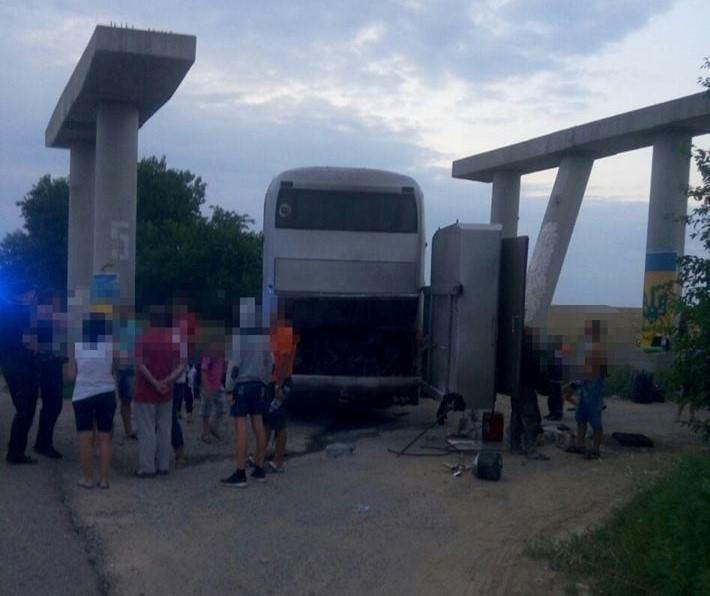 На Одещині загорівся автобус з дітьми / фото прес-служба Патрульної поліції Одеської області