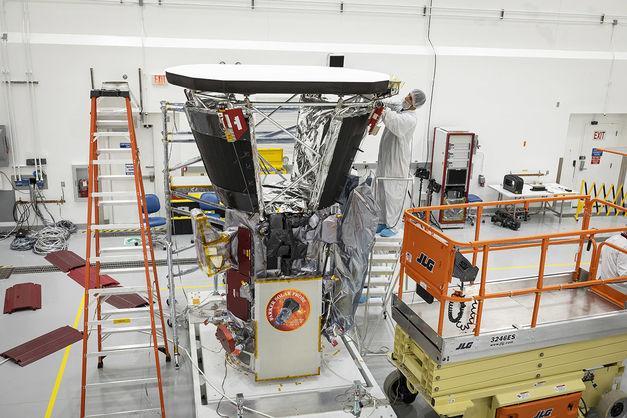 Экран достигнет температуры более 1370 градусов Цельсия, в то время как солнечный зонд Parker сохранит температуру в 30 градусов / Фото NASA