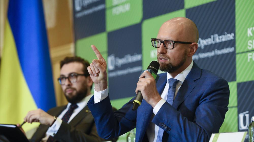 Яценюк: По объему расходов на оборону относительно ВВП Украина может быть членом НАТО / nfront.org.ua