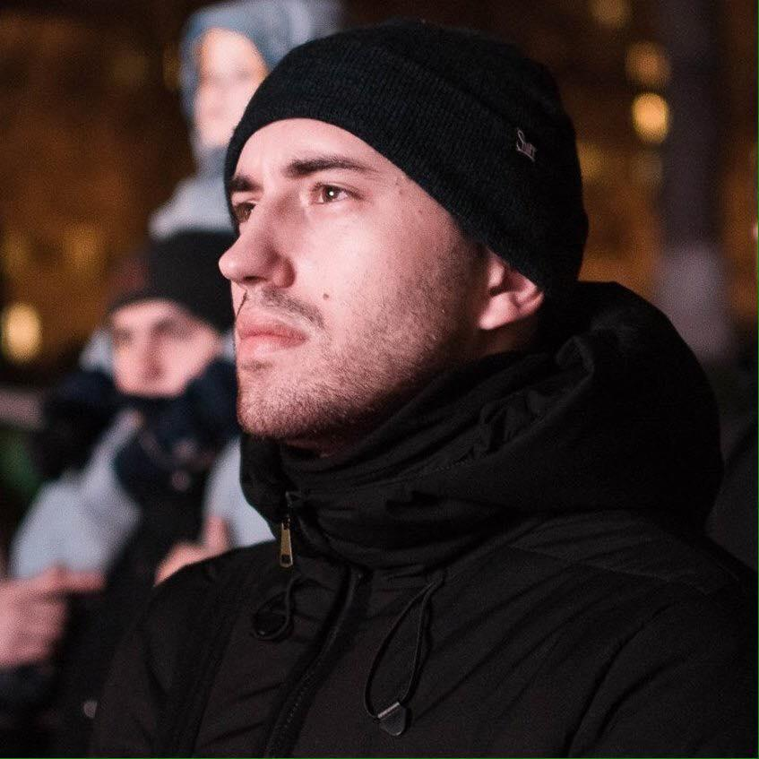 Слідчі прийшли активіста до праворадикальної організації С14 Сергія Мазура / фото facebook.com/myatsyniak