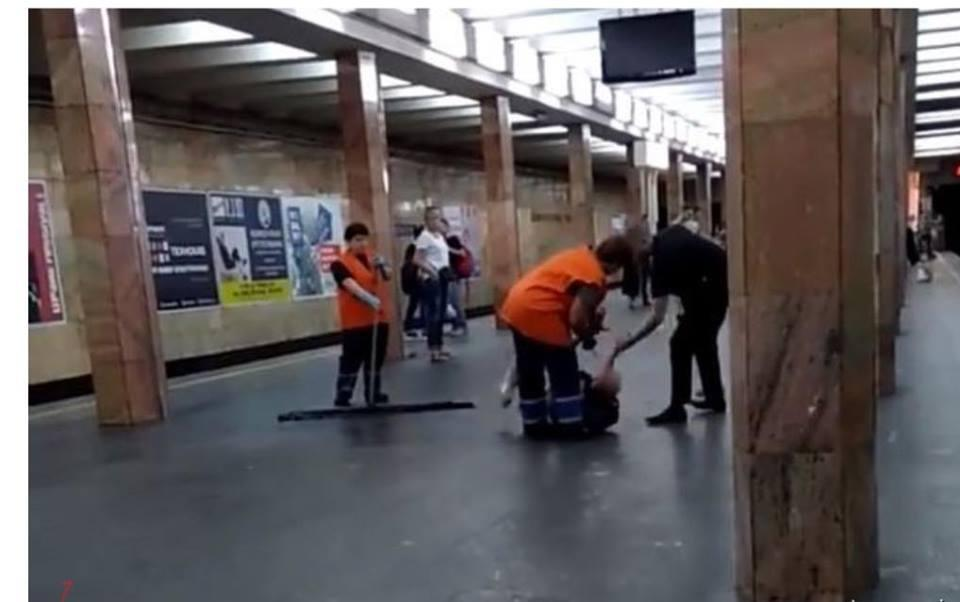 Видео с избиением распространили в сети / скриншот