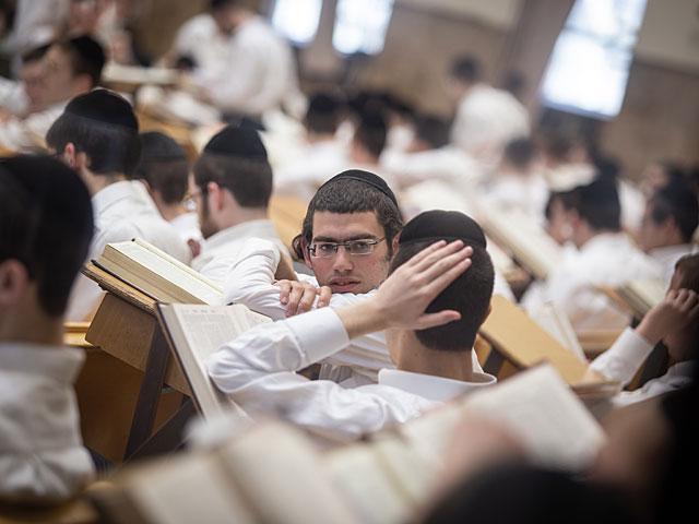 Инспекторы обнаружили, что учителя не уделяют достаточно внимания математике, английскому и французскому / newsru.co.il