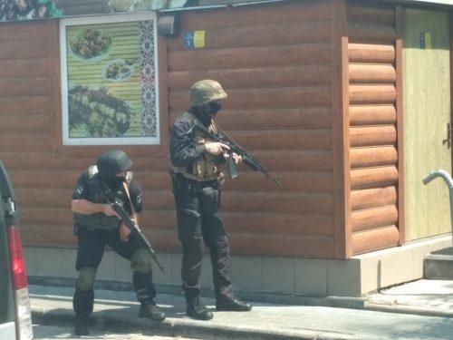 Полиция устроила в центре Черкасс учебную спецоперацию / фото - все О