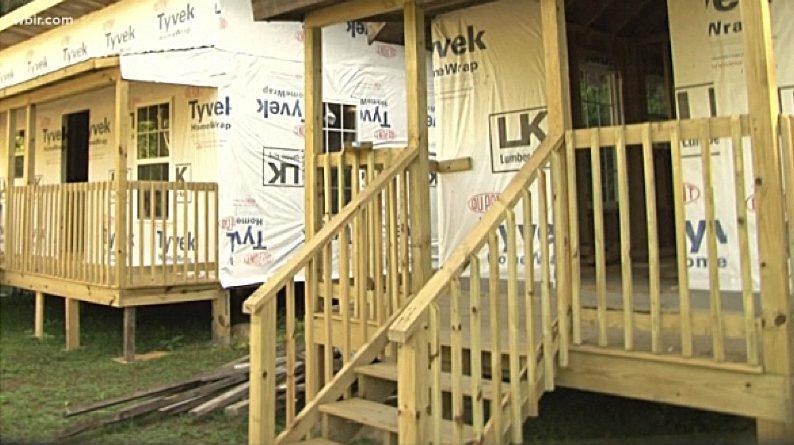 Баптистская церковь в США строит дома в рамках борьбы с опиоидной эпидемией / wbir.com