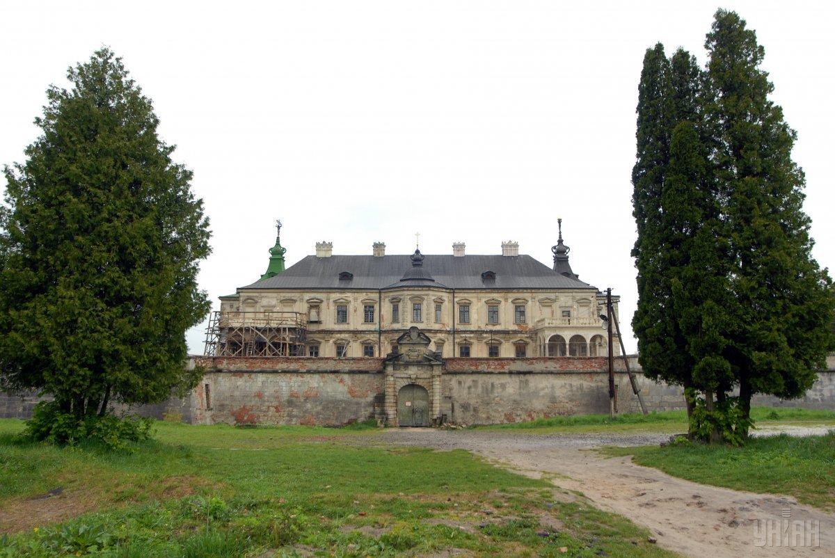 Подгорецкий замок попал в мировой рейтинг заброшенных зданий / фото УНИАН