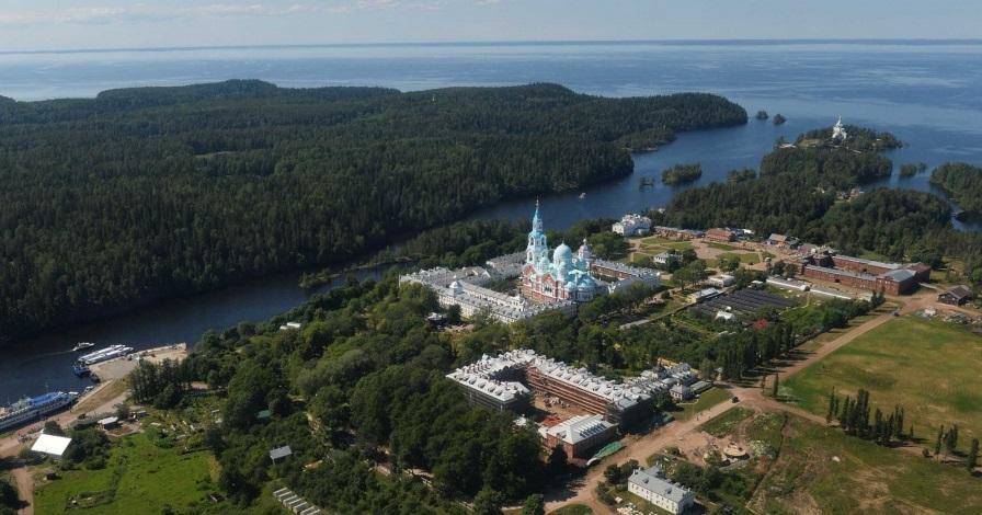 На Валаамі тисячі паломників вшанували пам'ять преподобних Сергія і Германа / valaam.ru