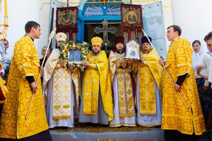 До Петропавлівського храму на престольне свято прибула чудотворна ікона / portal-pravoslavie.sumy.ua