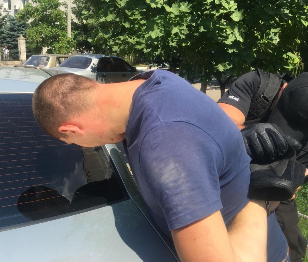 Організатором злочинної групи виявився оперуповноважений сектору карного розшуку одного з відділів поліції Миколаєва, лейтенант поліції / Фото myk.gp.gov.ua