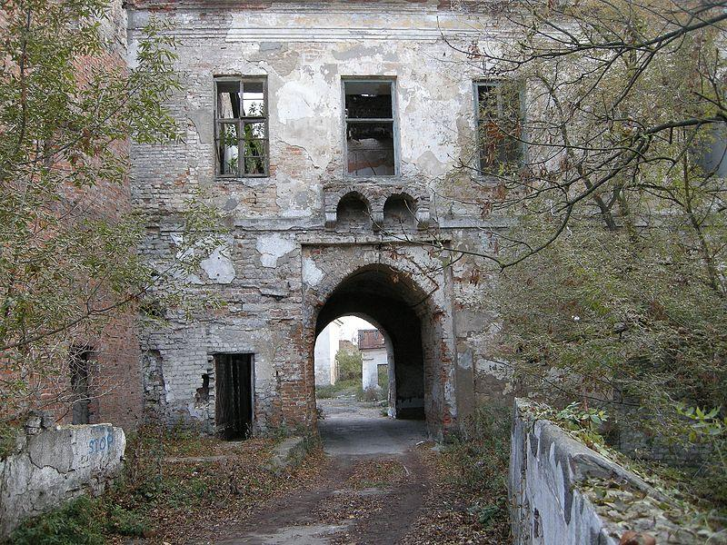 В'їзд до замку Клевань / Фото uk.wikipedia.org
