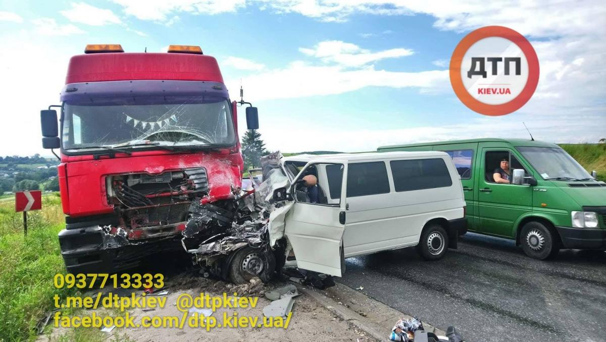 В ДТП на Прикарпатье погибло четверо человек / фото dtp.kiev.ua