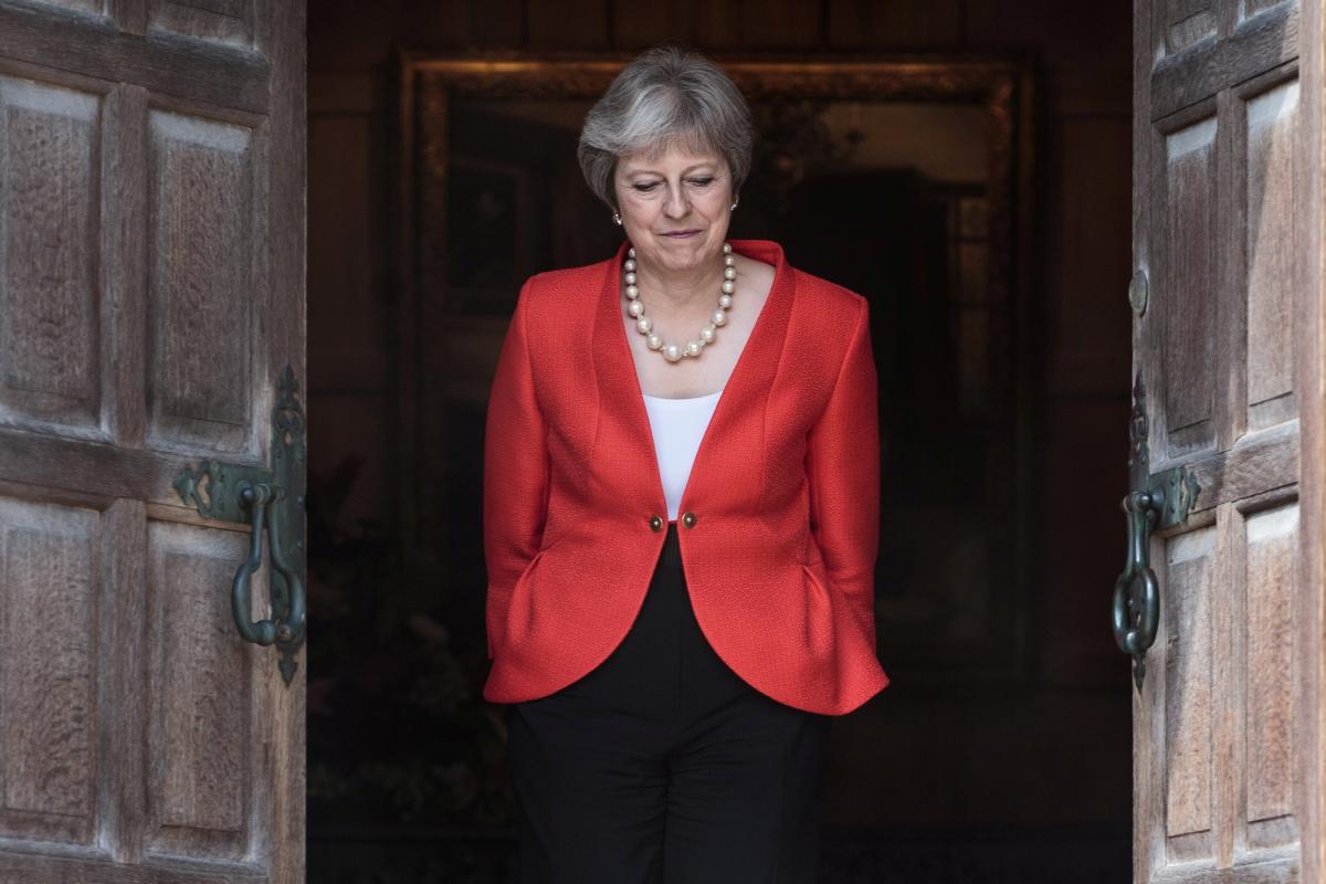 Терезу Мей можуть відправити у відставку: хто може бути наступним прем'єром Британії