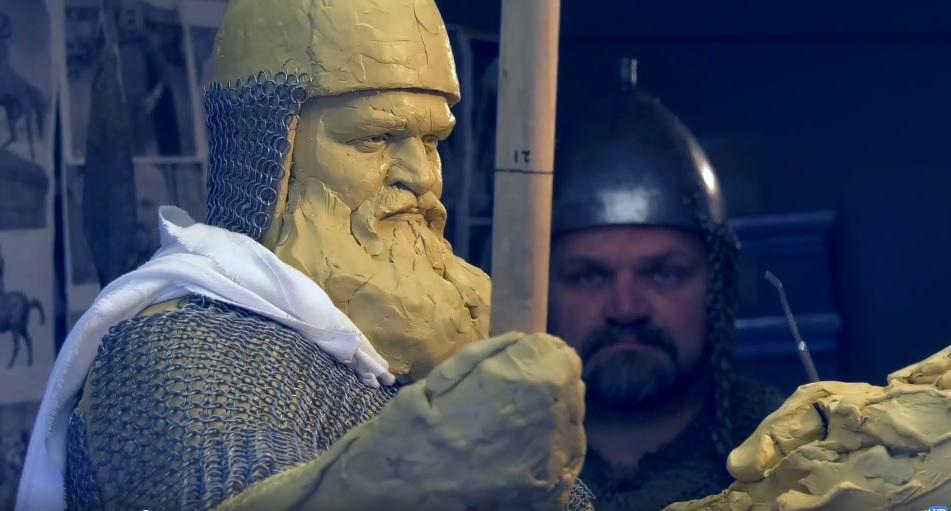 Створення скульптури Іллі Муромця / скрін з відео, facebook.com