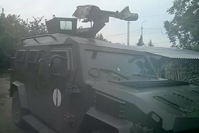 Бронированная машина спасла жизнь пограничникам / ГПСУ