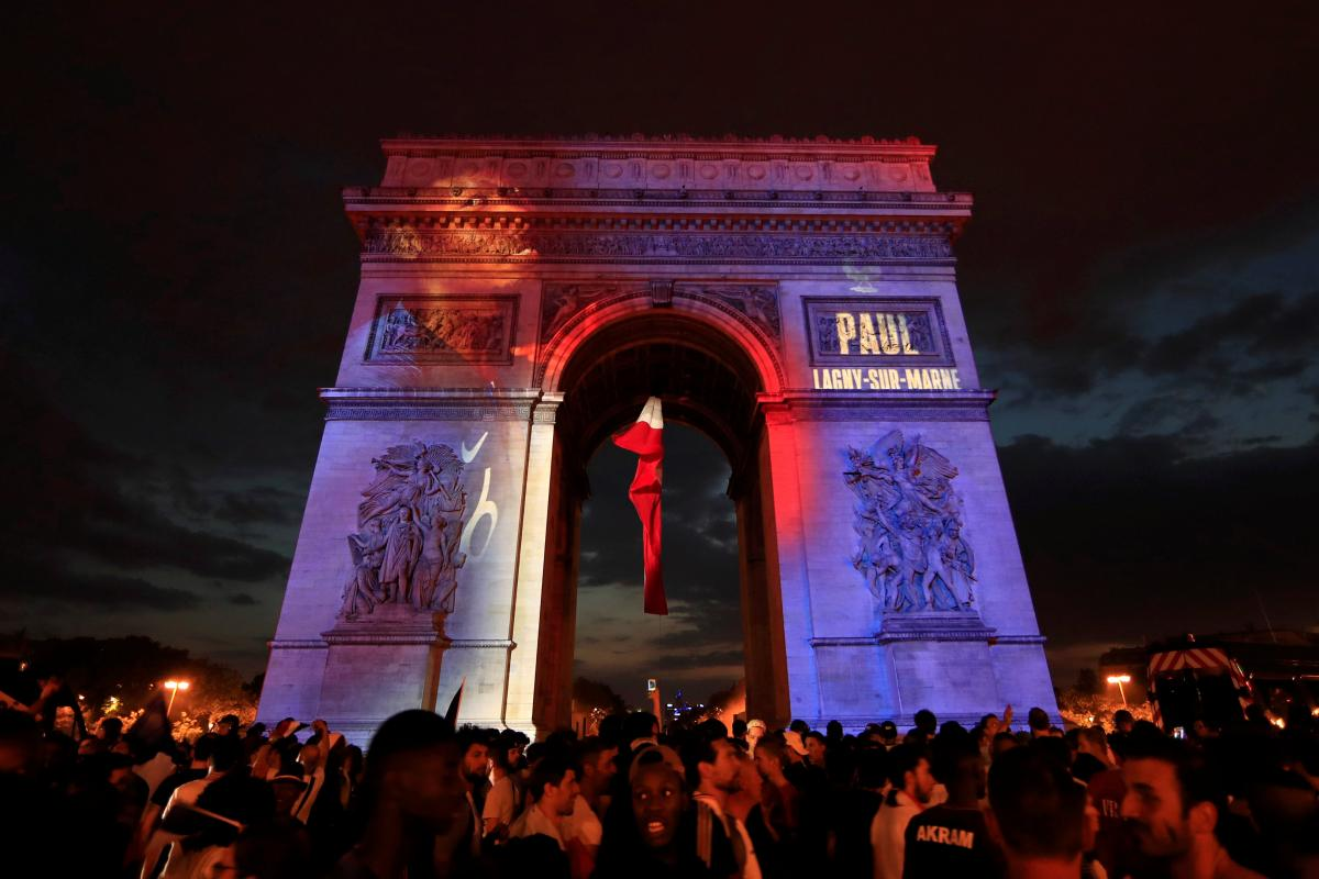 Мер Парижа закликала звернути увагу на незаконно засудженого в Росії Олега Сенцова / REUTERS