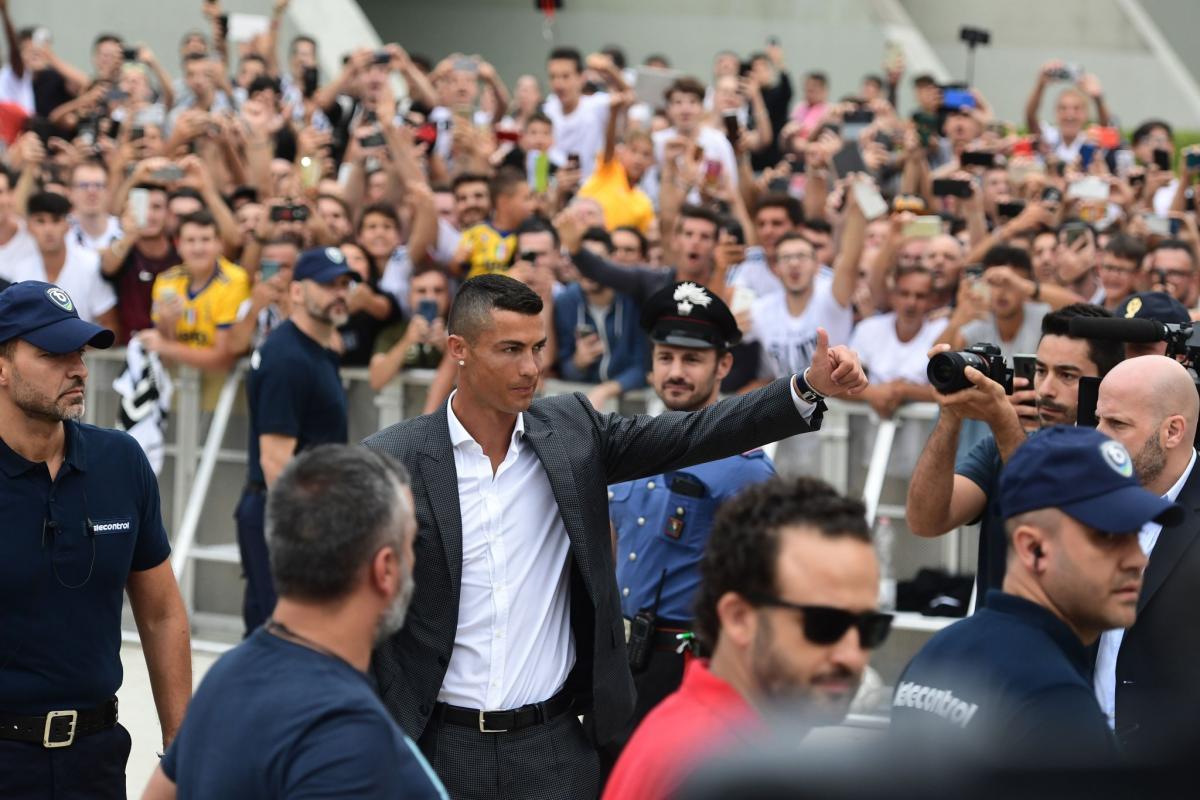 Криштиану Роналду прибыл в Турин / twitter.com/juventusfc