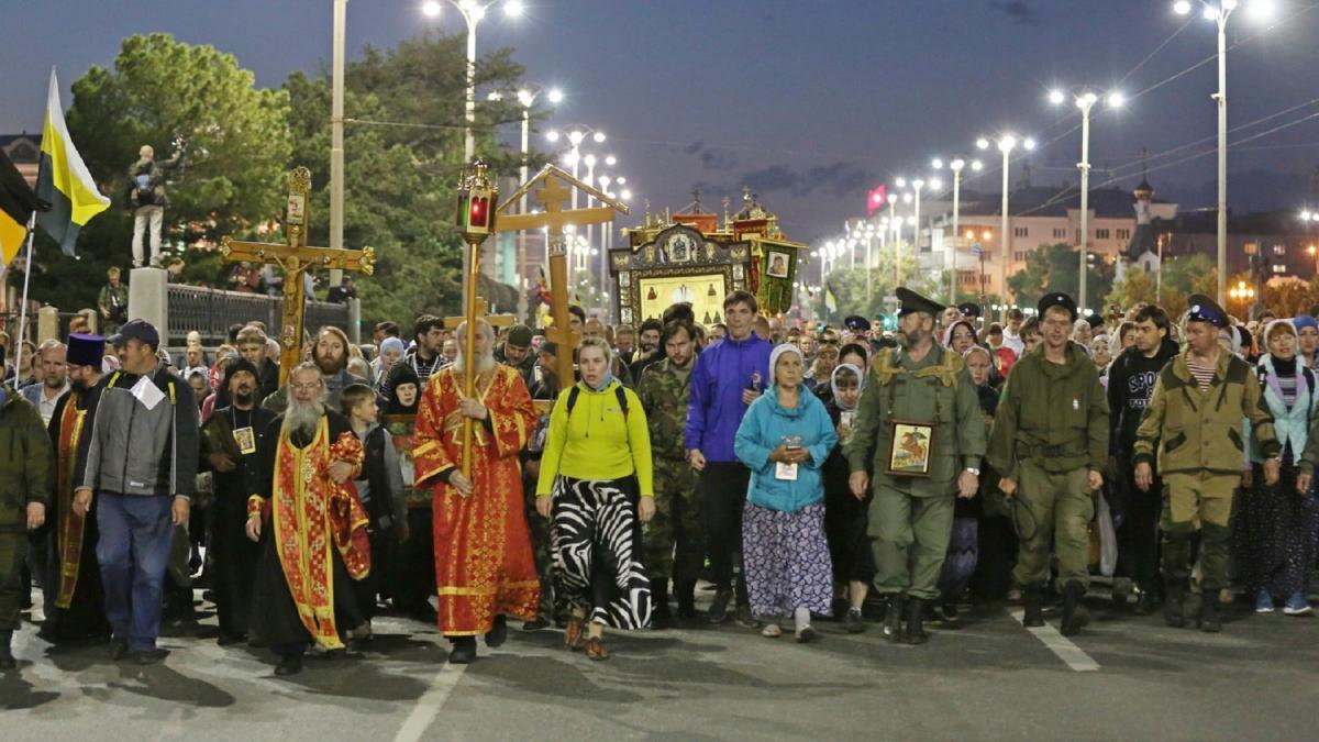 Учасники багатоденноїходи приєднаються до головного хресного ходу від Храму-на-Крові / blagovest-info.ru