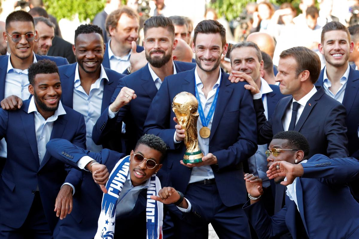 Сборная Франции вернулась домой после победы на ЧМ-2018 / REUTERS