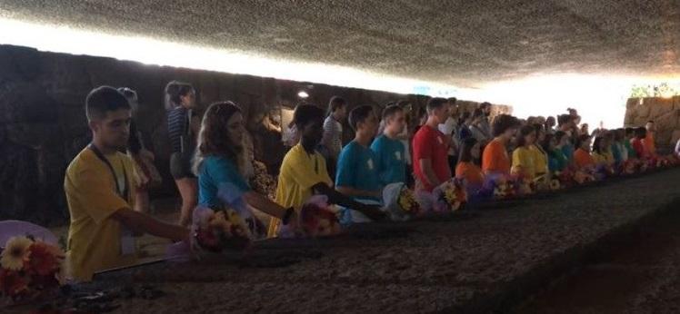"""""""Молодь за мир"""" в Ардеатинських печерах/ vaticannews.va"""