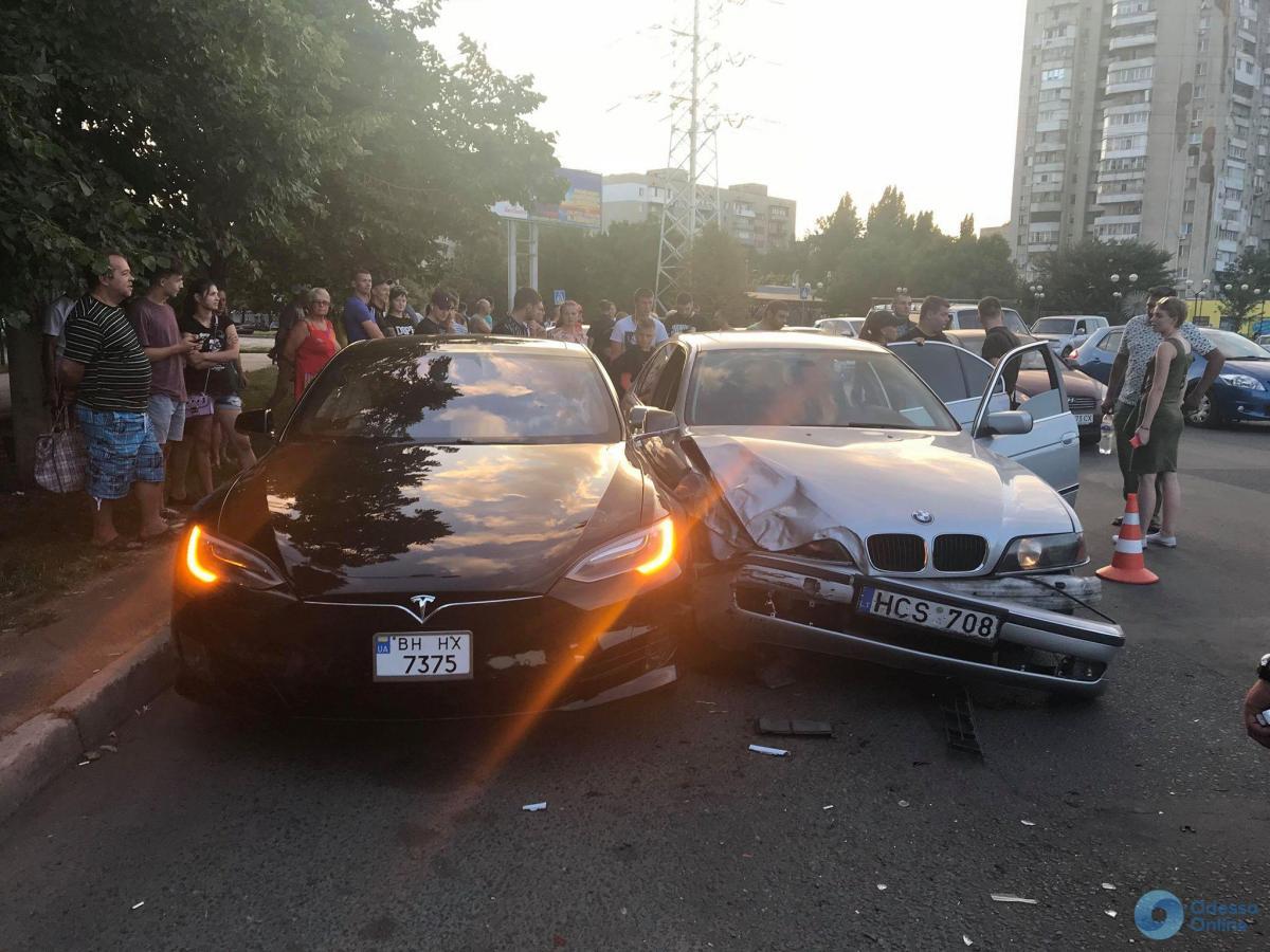 Tesla була припаркована / фото odessa.online