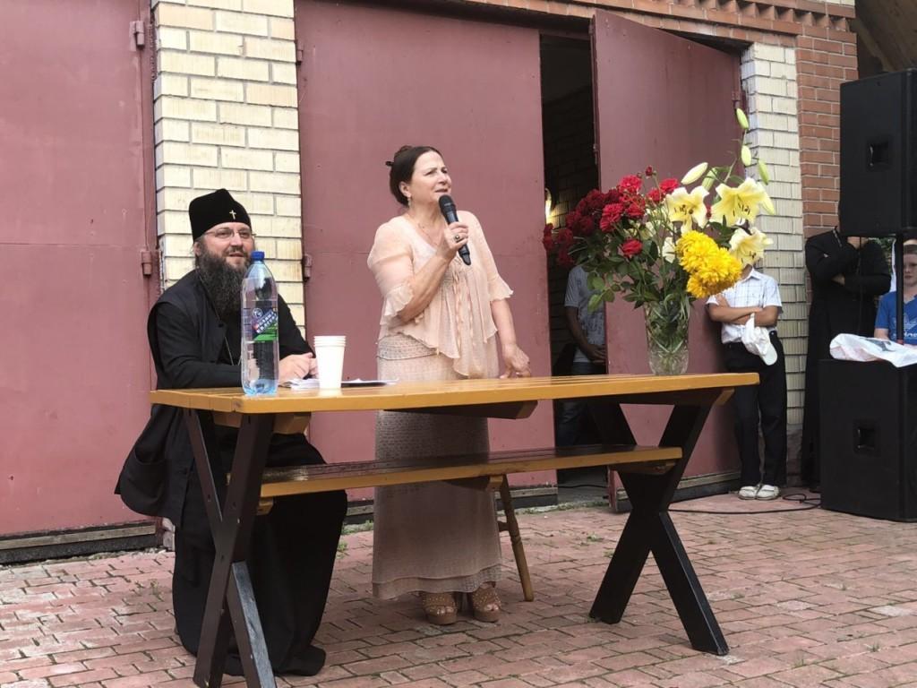 До учасників табору завітала співачка НінаМатвієнко / orthodox.cn.ua