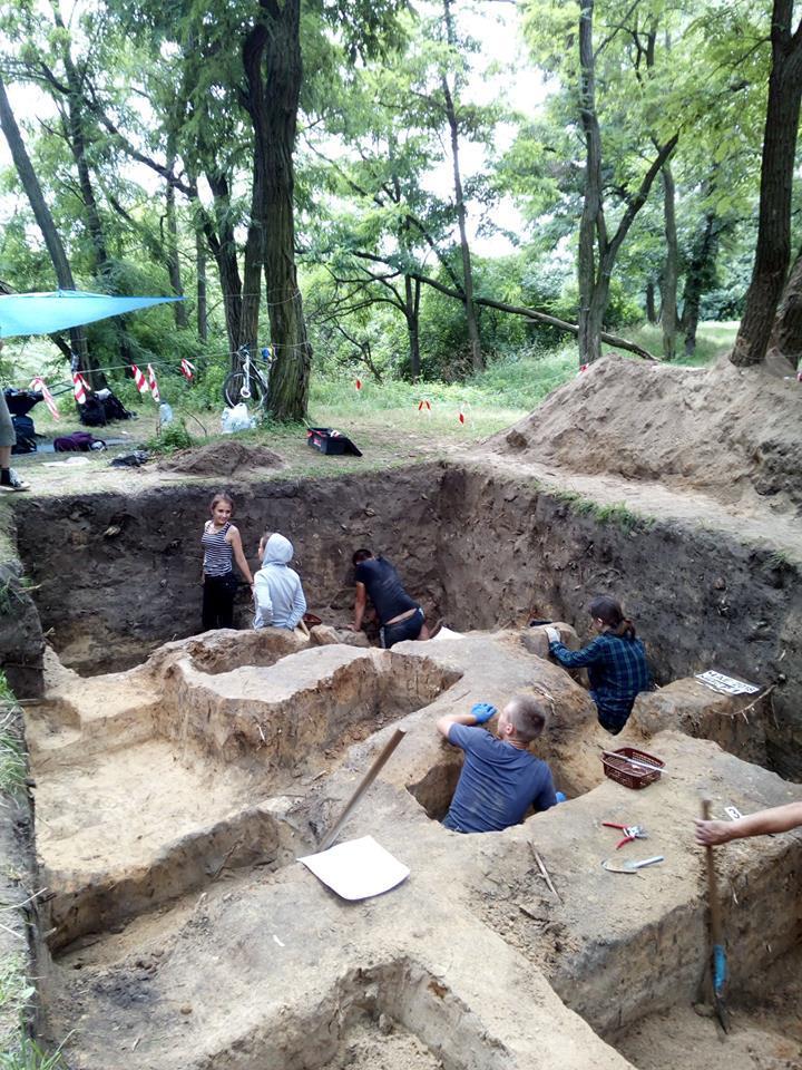 Накладбище нашли много детских могил / facebook.com/allisscorp