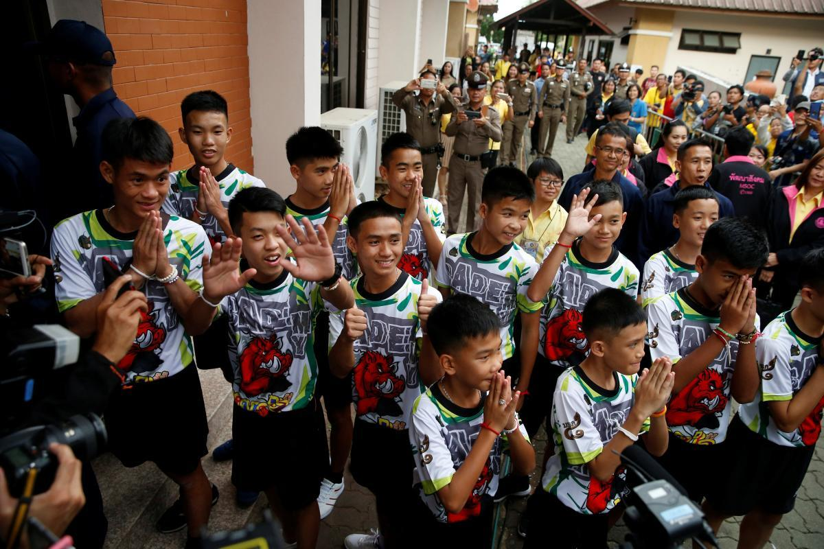 Подростковая футбольная команда «Дикие кабаны» / REUTERS