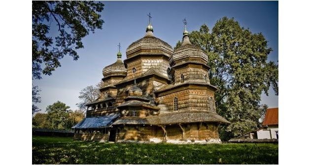 Церковь святого Юра в Дрогобыче / Стежками.сом