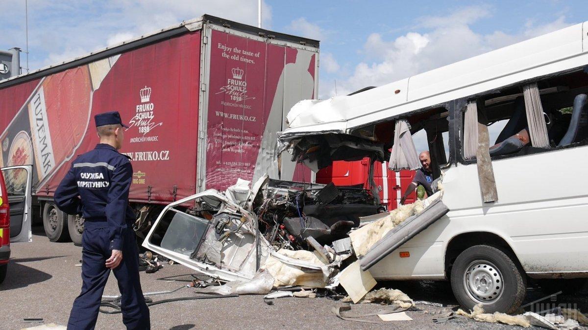 ДТП на Житомирщине произошло 20 июля, погибло 10 человек / фото УНИАН