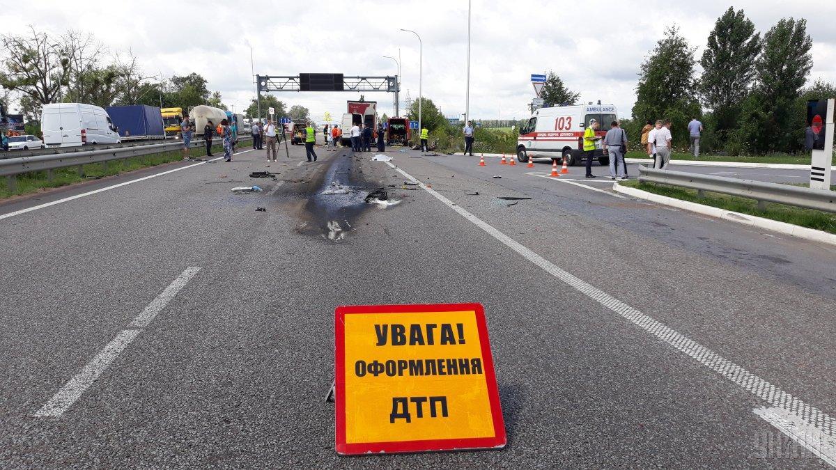 В Одесской области в результате столкновения маршрутки и грузовика погибли 9 человек
