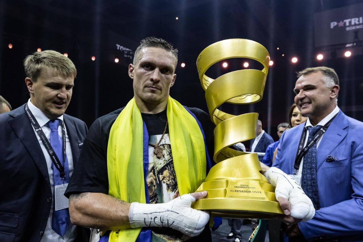 Усик после боя обратился к украинцам / фото facebook.com/WBSuperSeries