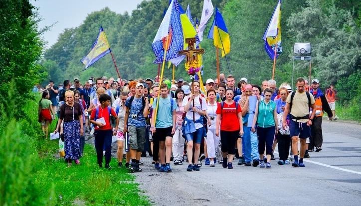 У Бердичів прибули близько 20 тисяч паломників / times.zt.ua