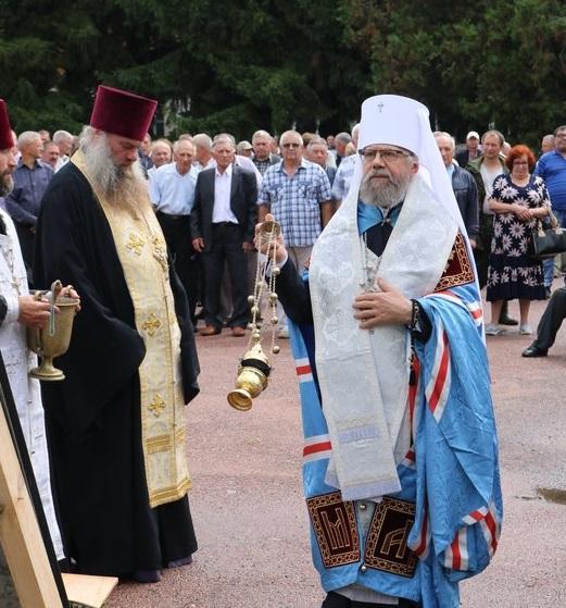 Митрополит Августинвзяв участь у військових урочистостях у Прилуках / kapelan.org.ua