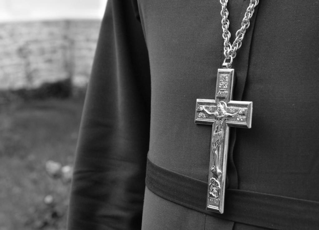 Священика з матушкоюзв'язали, катували сльозогінним газом, били та вимагали гроші / news.church.ua