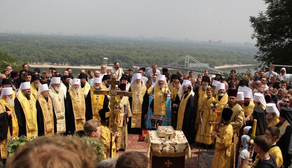 На телеканалі буде вестися пряма трансляція урочистого молебню на Володимирській гірці / inter.ua