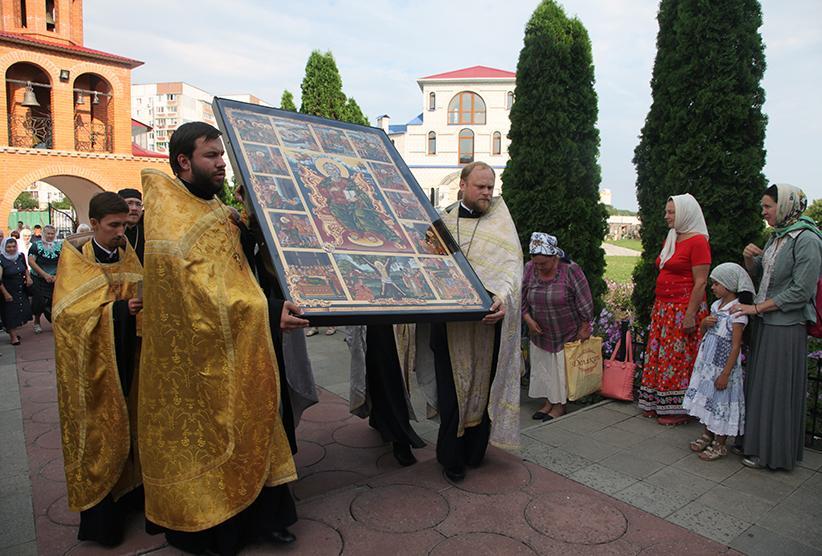 У Черкасах відбулася урочиста зустріч образу святого Апостола Андрія Первозваного з Греції / cherkasy-orthodox.com.ua