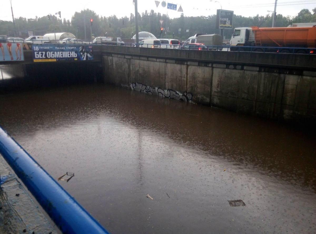 Затоплення біля «Дорогожичі» становило 2,20 метри / фото Анастасія Сироткіна