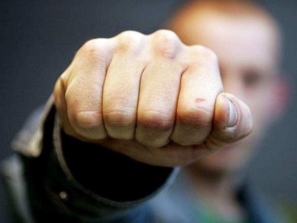 За напад на поліцейського прикарпатцю загрожує кримінальна відповідальність