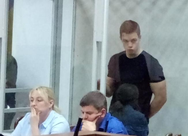 Кирило Островський, ігноруючи червоний сигнал світлофора, наїхав на дівчинку / фото УНІАН