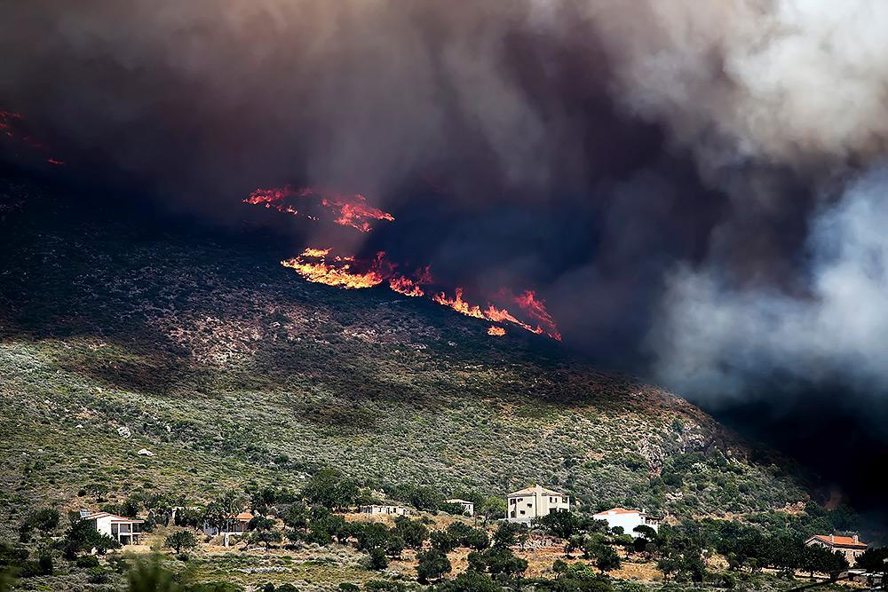 Пожежіу Греції забрали майже сотню життів / news.church.ua