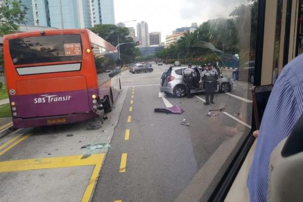 В результате инцидента погибли водители обоих транспортных средств / islam-today.ru
