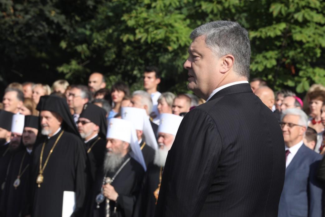 Порошенко вважає, що томос про автокефалію православної церкви в Україні довершить утвердження незалежності нашої держави / фото president.gov.ua