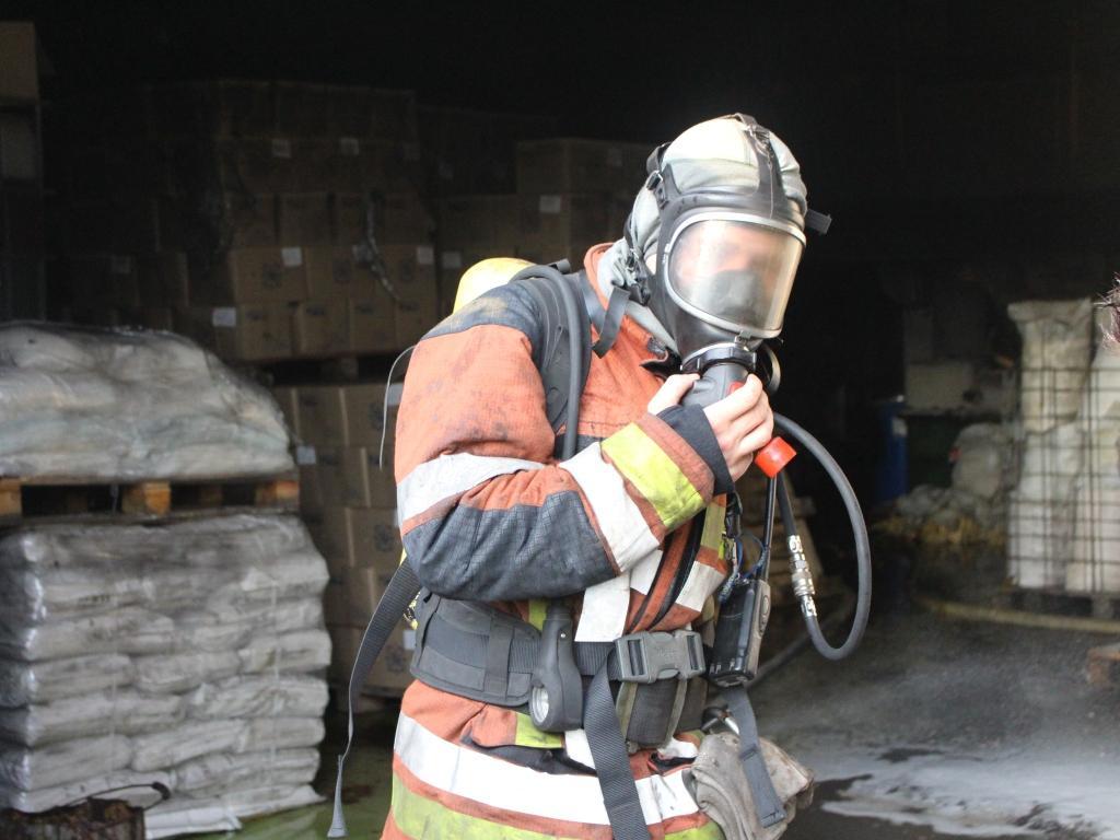 На место тушения пожара были направлены 10 единиц пожарной и спецтехники \ фото dsns.gov.ua